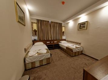 Стая с две отделни легла без балкон